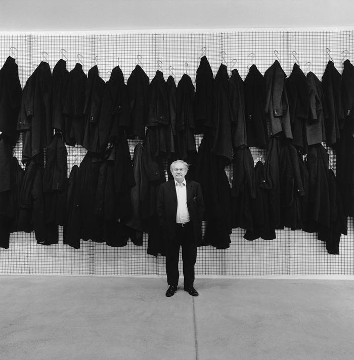 Jannis Kounellis, Galleria Fumagalli, Bergamo, 2009. Photo Manolis Baboussis. Courtesy Galleria Fumagalli