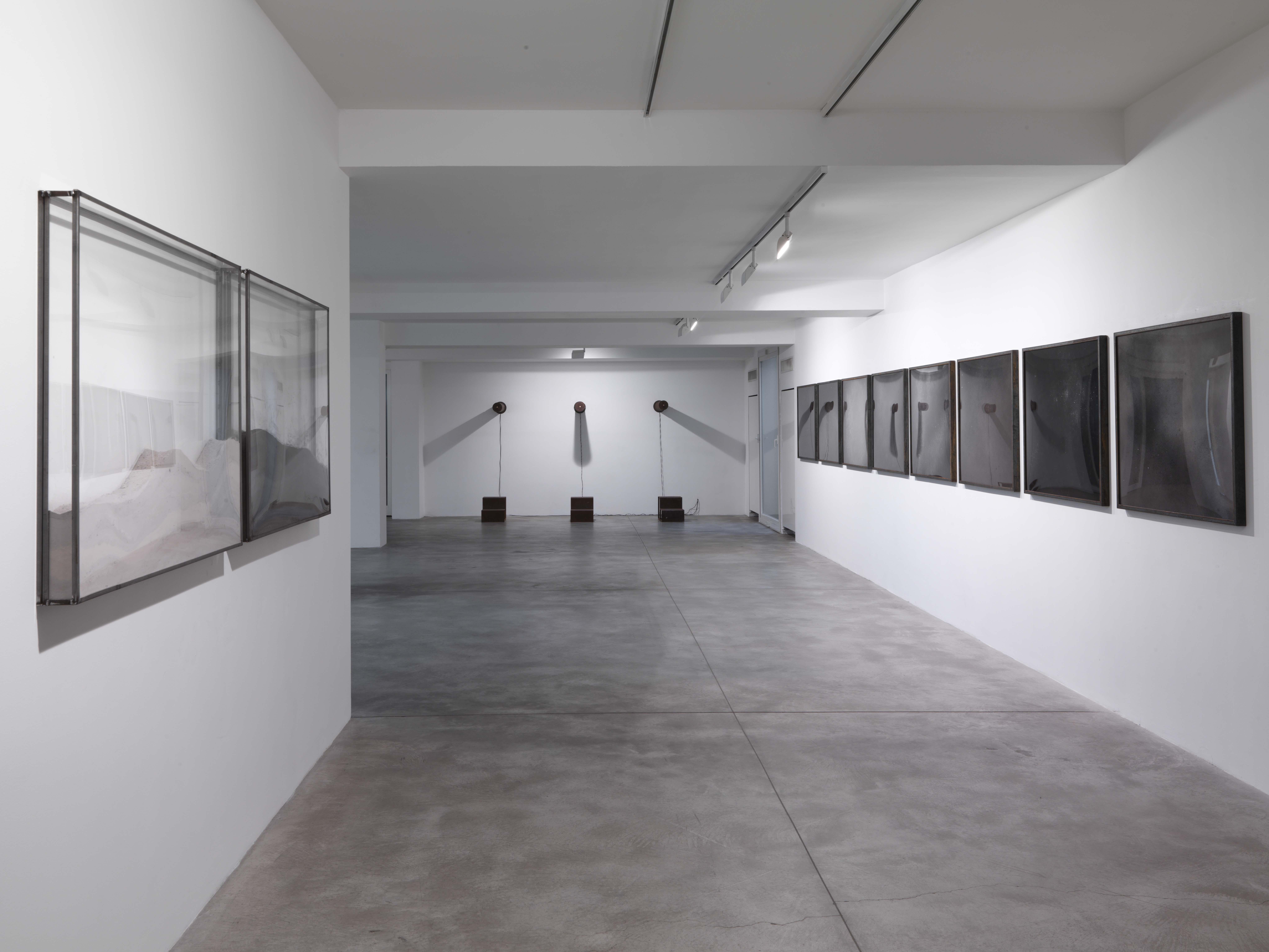 Maria Elisabetta Novello. Liridi, Galleria Fumagalli, Bergamo, 2012. Photo Ezio Manciucca. Courtesy Galleria Fumagalli