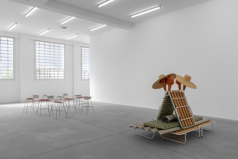 'Entre o céu e o inverno (Between Heaven and Winter)', Galleria Franco Noero, Torino (installation view)