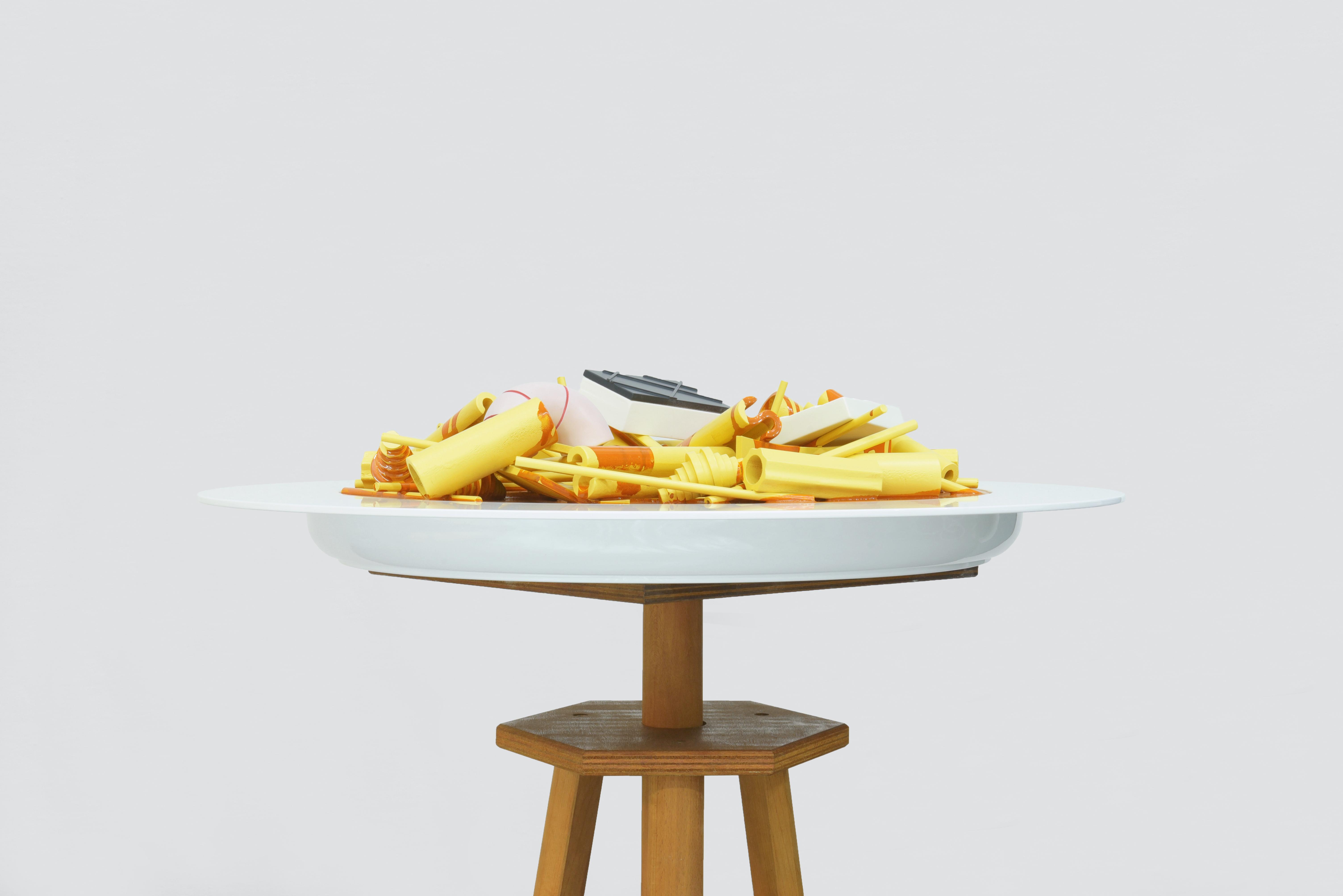 Minestra di pasta mista con pesci di scoglio e crostacei